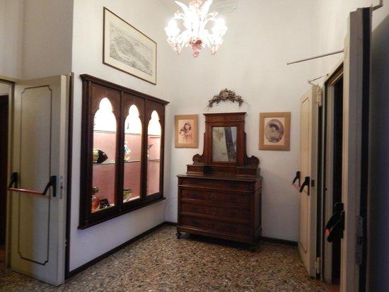 Hotel Giorgione: corredor