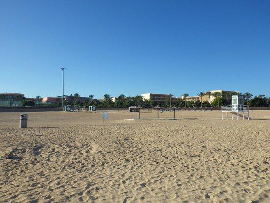 Barcelo Fuerteventura Thalasso Spa : Hôtel vu de la plage