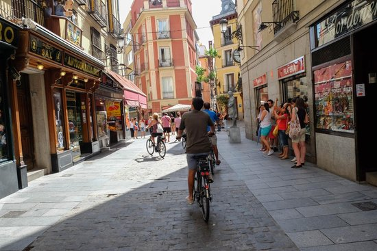 Bravo Bike : Biking through the streets of Madrid