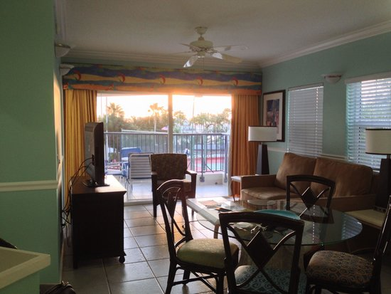 Flamingo Beach Resort : Room