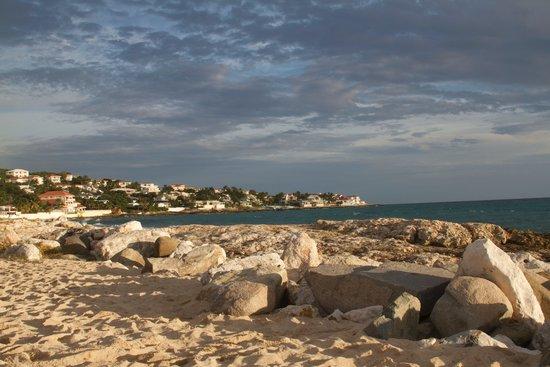 Flamingo Beach Resort : Beach View