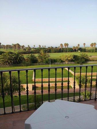 Playaballena Spa Hotel : Vue sur le golf de notre terrasse du 3 ème étage