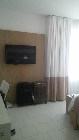 Pestana Miami South Beach : Vista geral do quarto