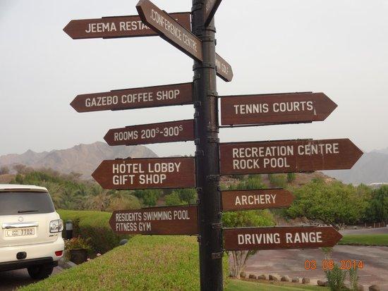 JA Hatta Fort Hotel : Sign board