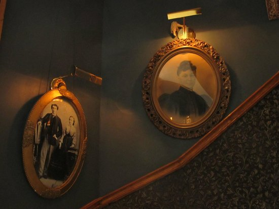 Victorian Heritage: Photos in Stairwell