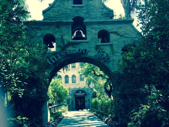 The Mission Inn Hotel and Spa: Entrance
