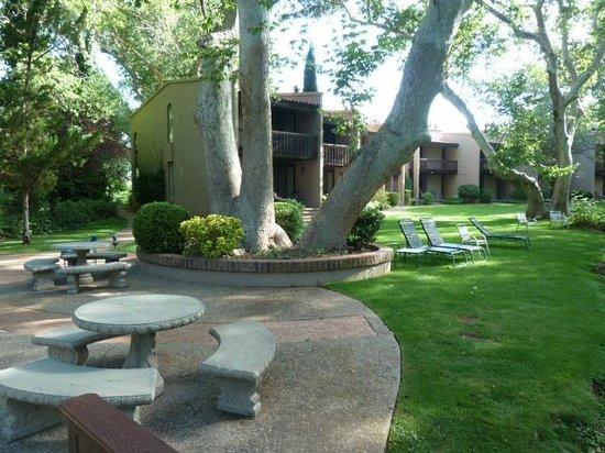 Best Western Plus Arroyo Roble Hotel & Creekside Villas : Hôtel idéalement situé