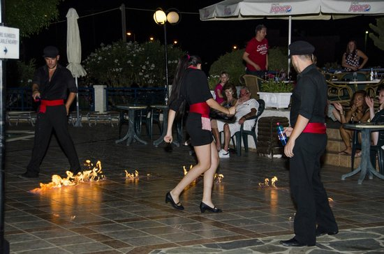Anastasia Hotel : Greek night