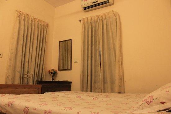 Fort Garden Residency : Room1