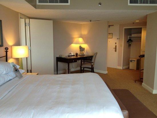 Hyatt Regency Pier Sixty-Six: Harbor Suite - Bedroom