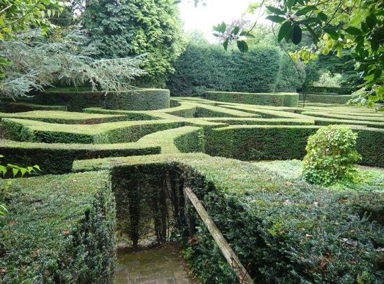 Musée David et Alice van Buuren : Labyrinthe-cherchez le minotaure !