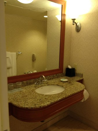 Hyatt Regency Pier Sixty-Six: Harbor Suite - Parlor Bathroom