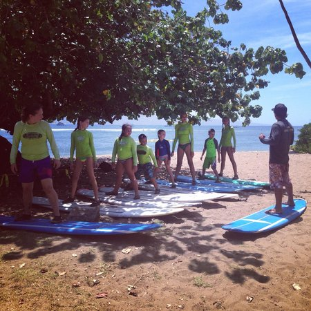 Royal Hawaiian Surf Academy : Kea teaching our kids the ropes!  He was awesome!