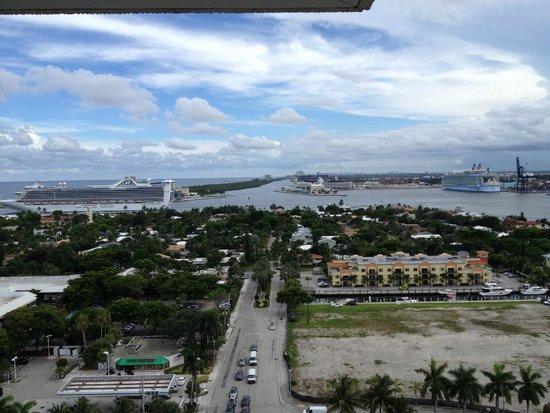 Pier Sixty-Six Hotel & Marina: Room View