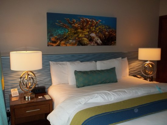 Orchid Key Inn: Comfy beautiful room