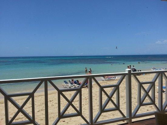 Grand Bahia Principe El Portillo : Restaurante de Praia