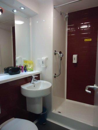 Travelodge London Vauxhall Hotel: Bathroom