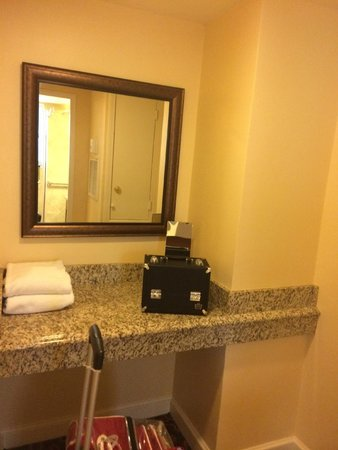 Avenue Plaza Resort: Extra space/dressing area