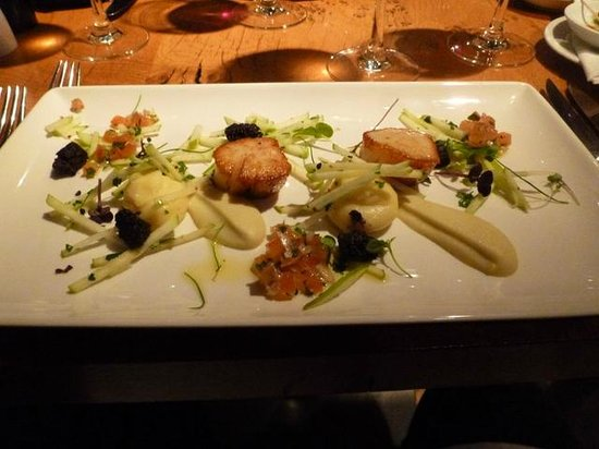 Tower Restaurant : Scallop starter