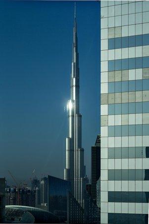 Rose Rayhaan by Rotana - Dubai: Aussicht auf den Burj Khalifa vom Zimmer