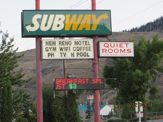 Cache Creek Inn: adjoining Subway