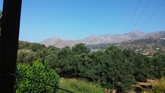 Hotel Irida Plakias: looking out to the mountains and sea