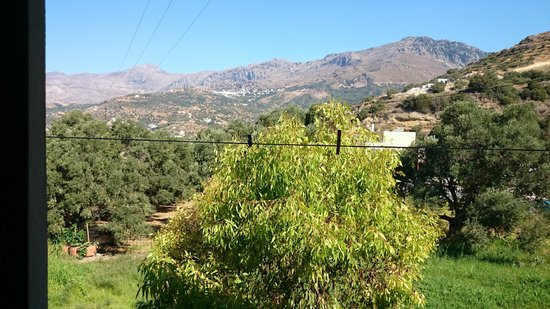 Hotel Irida Plakias: another mountain view from the balcony