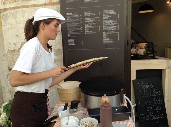 Historic Center of Cesky Krumlov: delicous crepes to enjoy near the main square