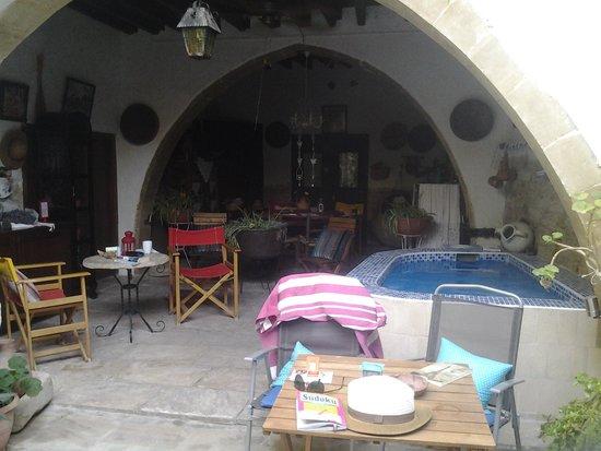Stratos ArtDeco House: Communal area