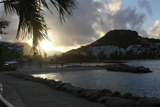 Royal Palm Beach Resort: Morning - Room View