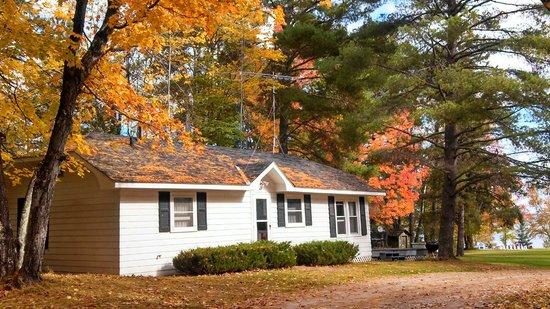 Bodins Resort : The Rose Cabin