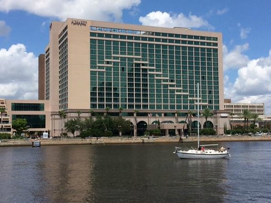 Hyatt Regency Jacksonville Riverfront : View from the river