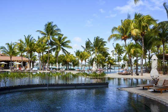 Beachcomber Le Mauricia Hotel : Pool