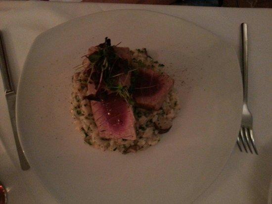ef16 Restaurant Weinbar: Tuna