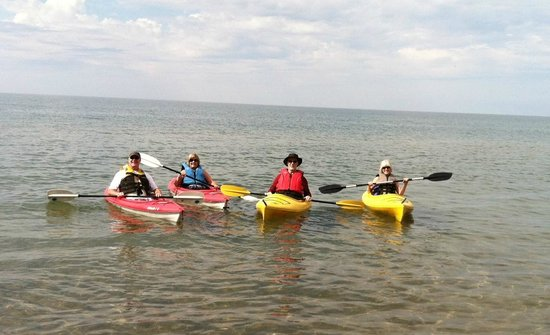 Superior Shores Resort: 4 kayaks available for crystal clear Lake Superior paddling