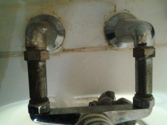 Caribbean Village Agador : robinet de la salle de bain