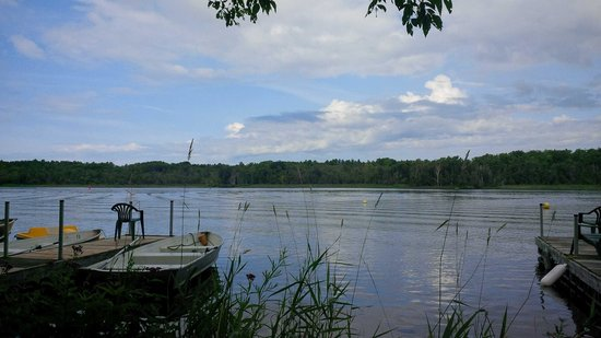 Lake Edge Cottages: a little slice of heaven!