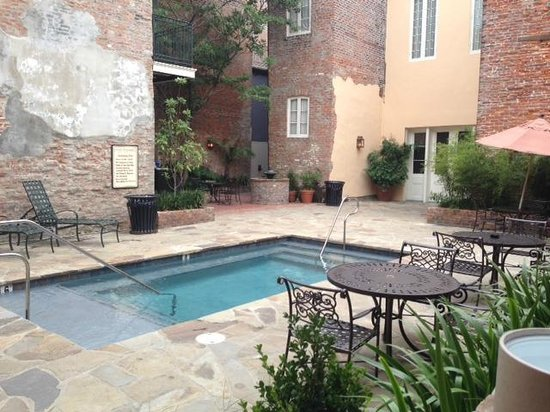 French Market Inn: Very small pool, but perfect for kids and to cool off.  Quiet courtyard - not a lot of traffic.