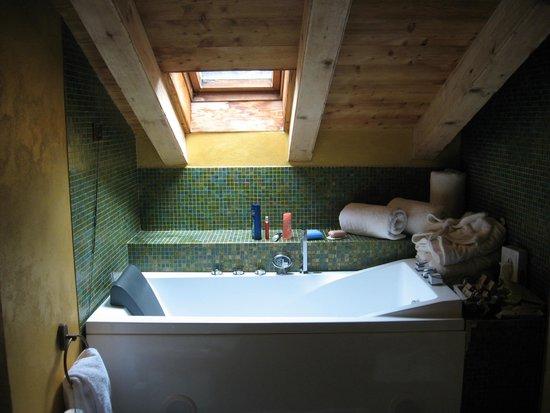 Stanza bagno mansarda foto di hotel la rouja champoluc tripadvisor