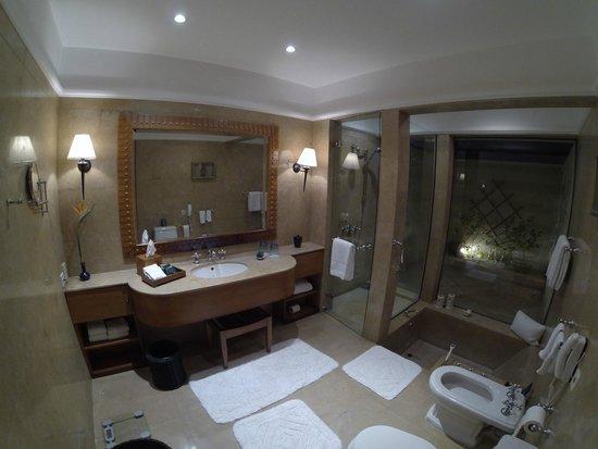 The Oberoi Sahl Hasheesh: kylpyhuone