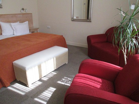 Unitas Hotel: Spacious, comfortable room