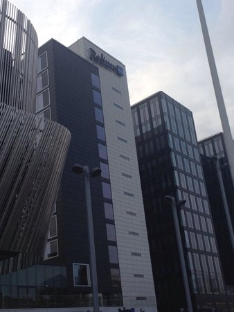 Radisson Blu Waterfront Hotel: From the Outside