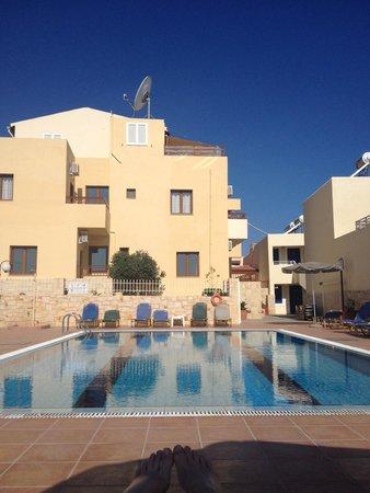 Frida Village Apartments: The main pool area