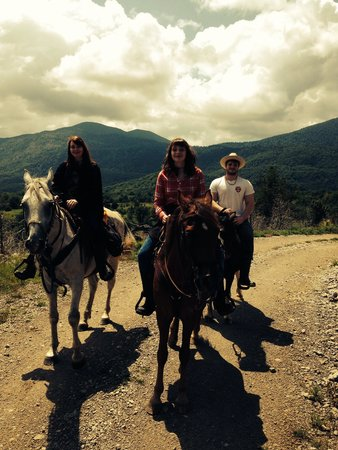 Linden Tree Retreat & Ranch: Riding back from the ghost town