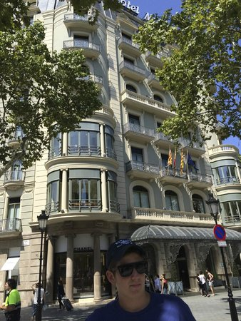 Majestic Hotel & Spa Barcelona: Lovely Hotel inside and out