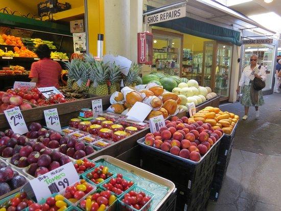 The Original Farmers Market: frutas