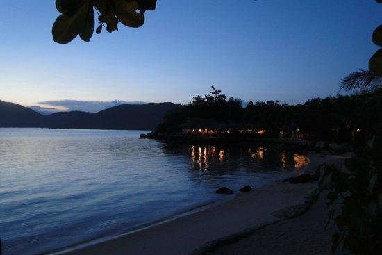 Whale Island Resort: coucher de soleil