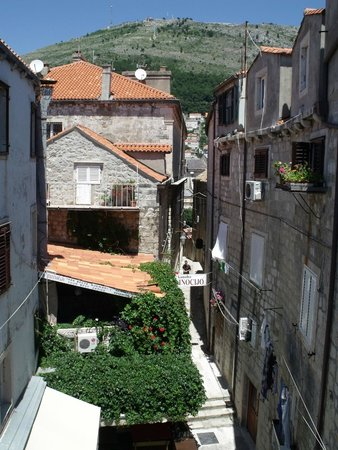 Old Town: Between the houses