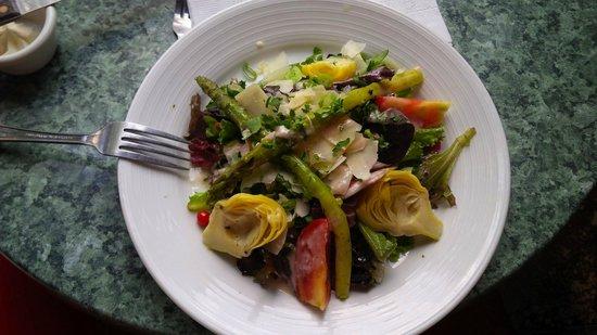 Bistrot Du Coin: Salade d'artichaut et asperges :)