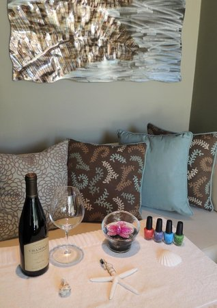 The Spa at Dolphin Bay: Enjoy nail services along with a glass of wine!